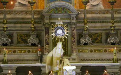 Adoração da Juventude ao Santíssimo Sacramento na Basílica Santuário de Nazaré!