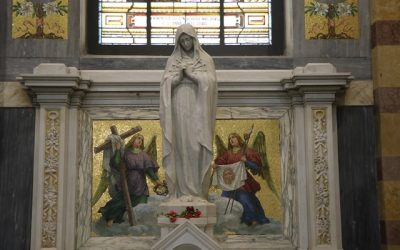 """Papa confia a Nossa Senhora das Dores as vítimas do """"poder humano"""""""