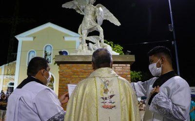 São Miguel Arcanjo, defendei-nos no combate!