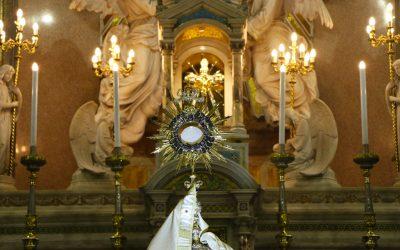 Adoração da Juventude ao Santíssimo Sacramento na Basílica Santuário de Nazaré