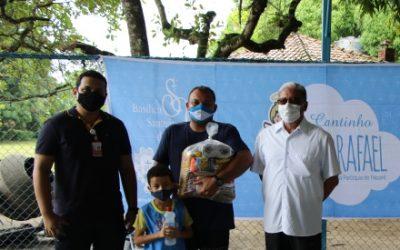Famílias acolhidas pelo Projeto Social São Rafael receberam cestas básicas, nesta quarta-feira (20)