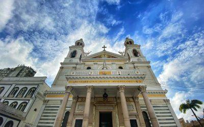 Título Basilical completa aniversário de 98 anos